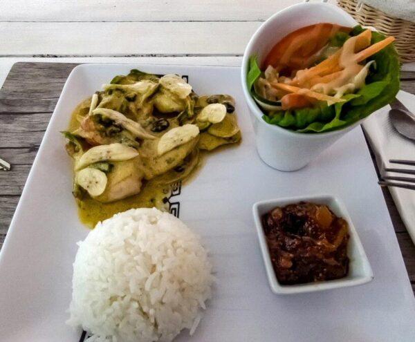 Poisson cru, plato típico en Polinesia Francesa