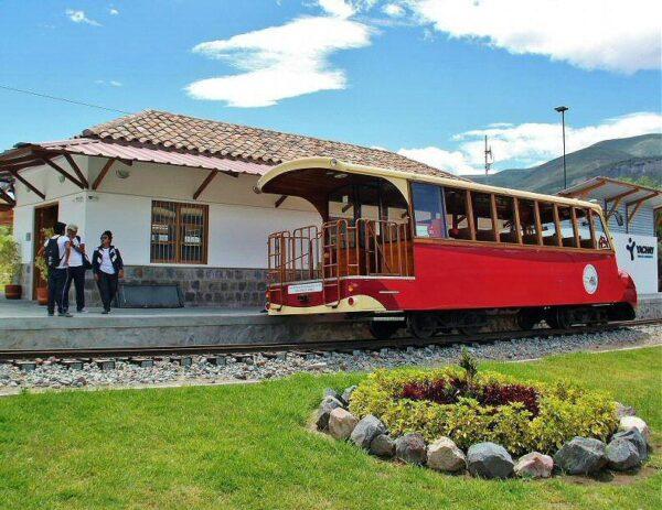 Tren turístico de Quito a Salina en Ecuador
