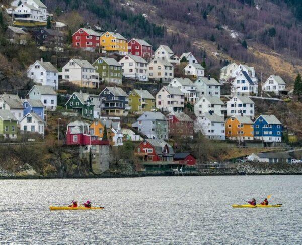Tour en kayak en Odda en el Fiordo Hardanger en Noruega