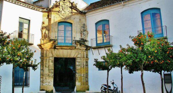 Portada renacentista del Palacio de Viana en Córdoba