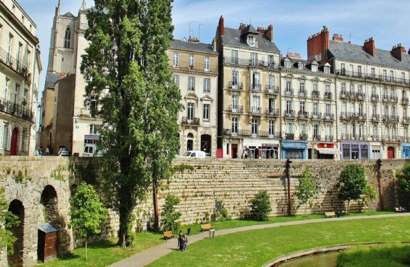 Rincón del centro histórico de Nantes en Francia