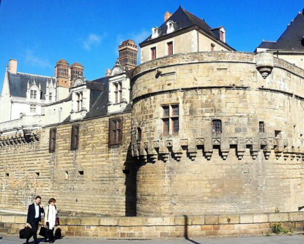 Muralla del castillo de los Duques de Bretaña en Nantes