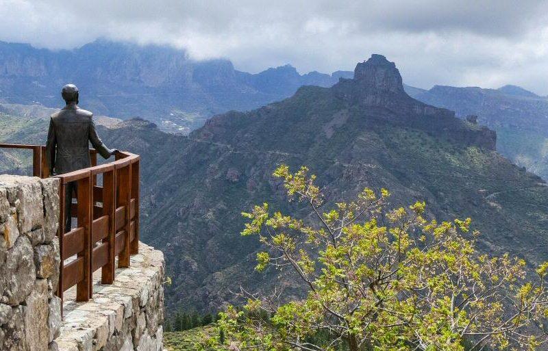Roque de Bentayga desde el mirador de Unamuno en Artenara