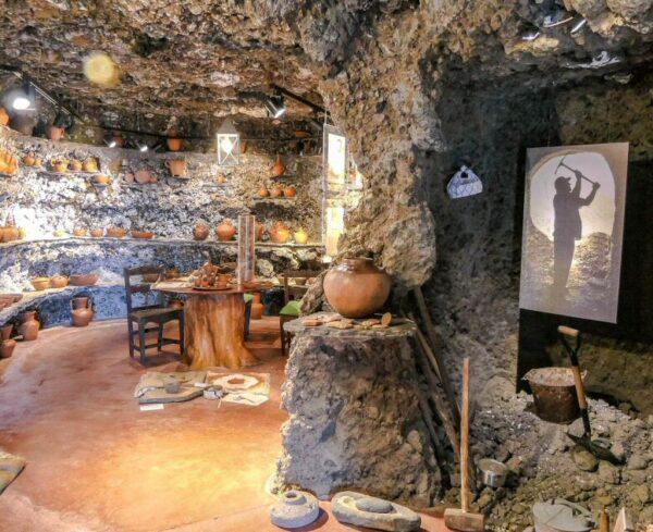 Casa cueva del Museo Etnográfico de Artenara