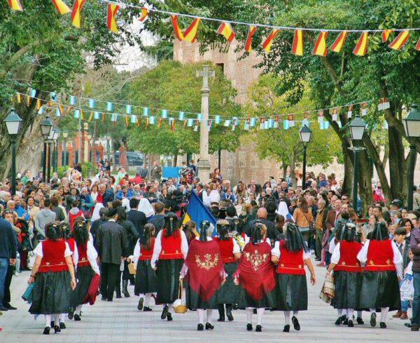 Gran Desfile Cortejo de Mondas en Talavera de la Reina