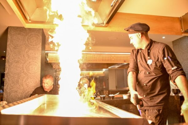 Teppanyaki en el restaurante Narumi del Hard Rock Hotel Tenerife