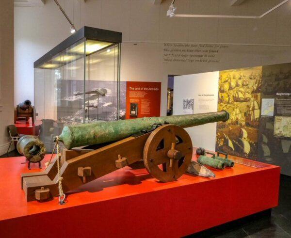 Sala de la Armada Española en museo Ulster de Belfast