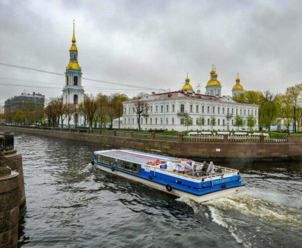 Crucero por los canales de San Petersburgo