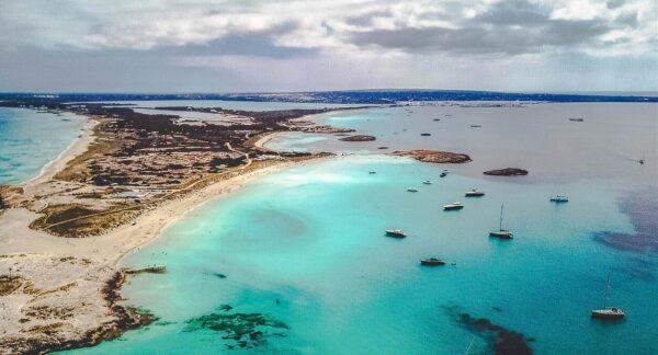 Playa de les Illetes en Formentera en las islas Baleares