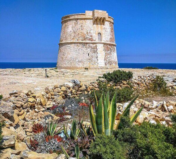 Torre defensiva de Punta Prima en Formentera en Baleares