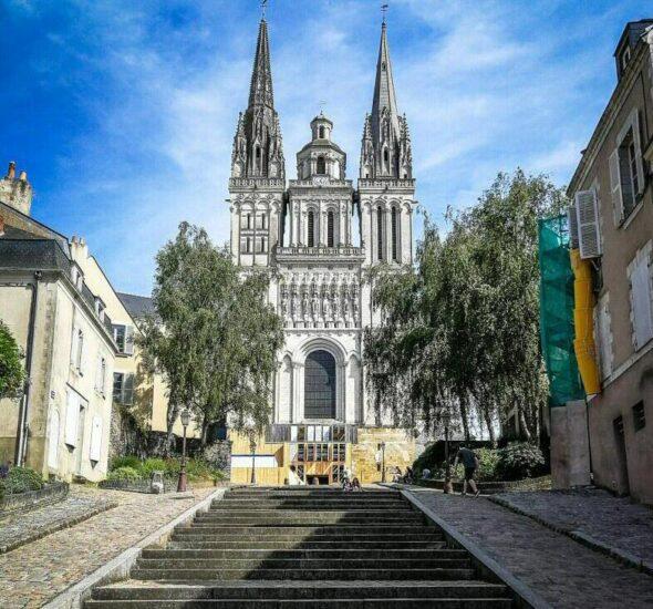 Catedral de Angers en el Valle del Loira en Francia