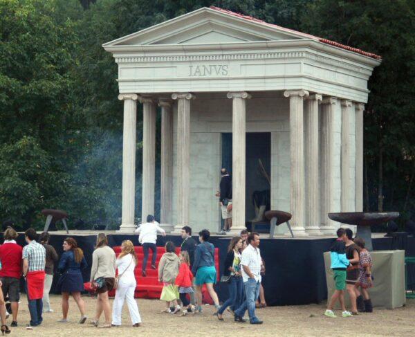 Templo de Jano en el Campamento Festero de las Guerras Cántabras