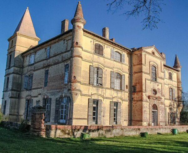 Castillo de Bonrepos-Riquet cerca de Toulouse