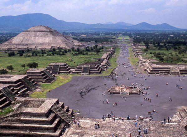 Restos arqueológicos de Teotihuacán cerca de Ciudad de México