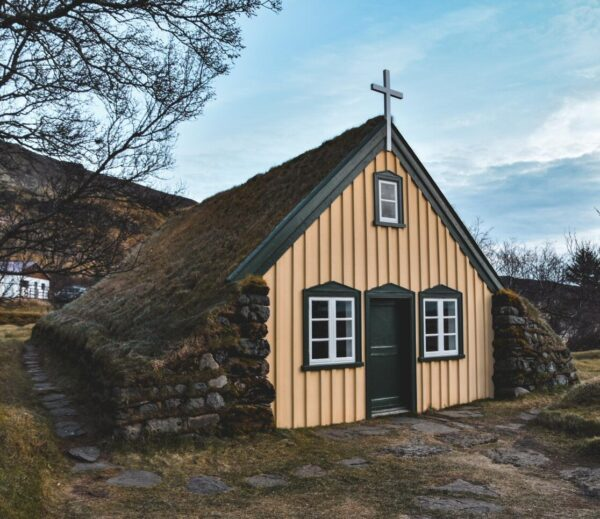 Iglesia tradicional en Islandia