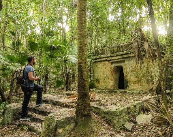 Templo maya Xaac en Grand Palladium Hotel & Resorts en Riviera Maya