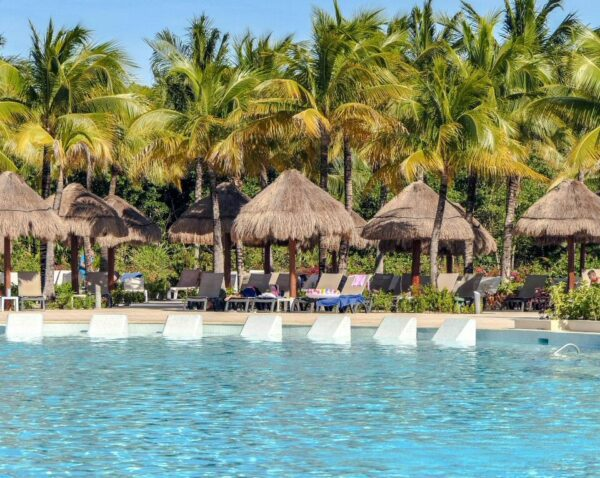 Piscina en Grand Palladium Hotel & Resorts en Riviera Maya