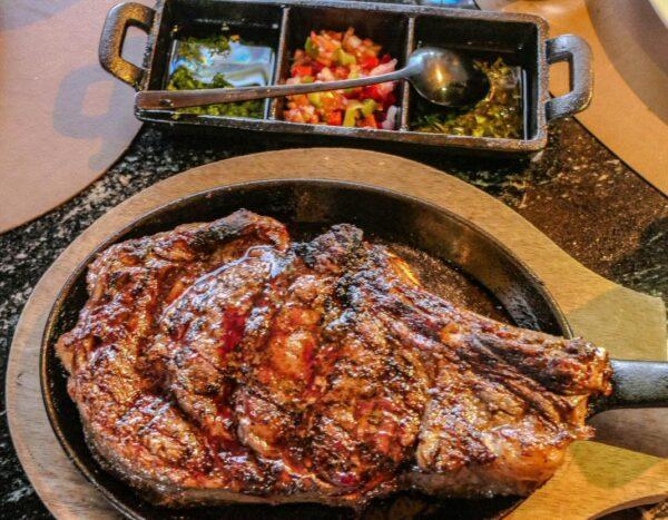 Chuletón en restaurante El Gaucho en TRS Yucatan Hotel en Riviera Maya