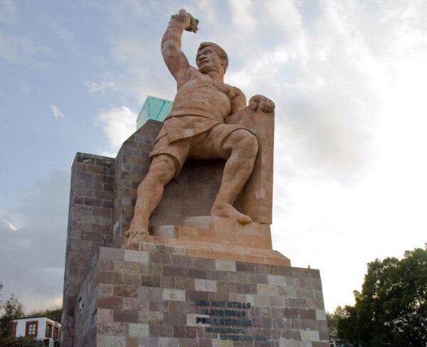 Monumento al Pílpila en Guanajuato en México