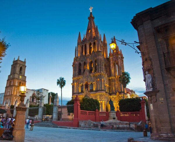 Parroquia en Jardin en San Miguel de Allende en México
