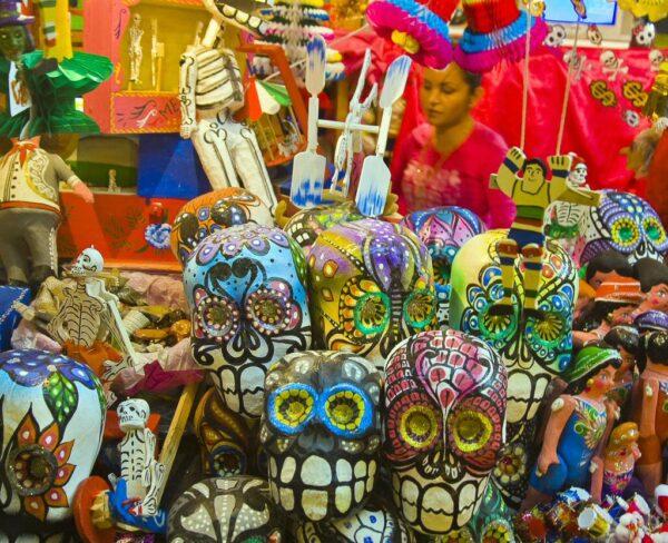 Artesanía en Mercado Hidalgo en Guanajuato en México