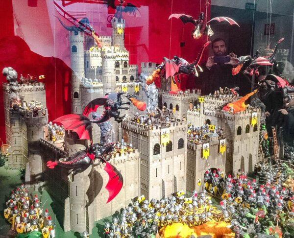 Exposición Clicks de Playmobil en palacio Gaviria de Madrid