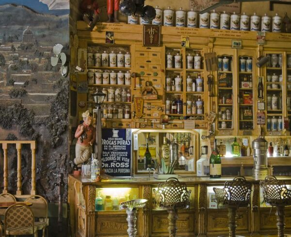 Bar la Viejoteca en la Casa de los Cinco Patios en Querétaro en México