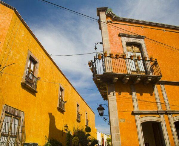 Edificios de la época virreinal en el centro de Querétaro en México