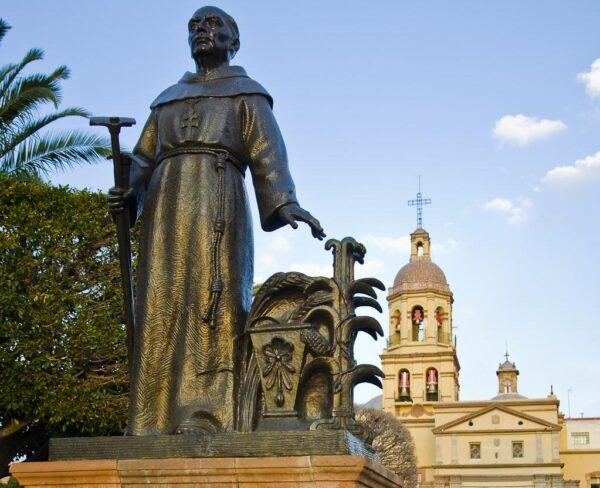 Monumento a Junipero Serra en Querétaro en México