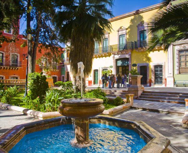 Plaza del centro histórico de Zacatecas en México