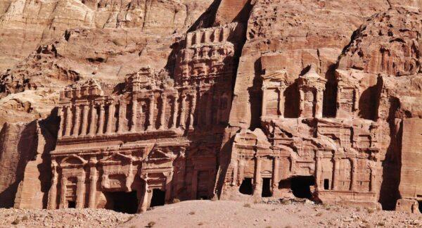 Tumbas reales nabateas en Petra en Jordania