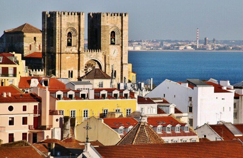 Catedral Sé de Lisboa en el barrio de Alfama