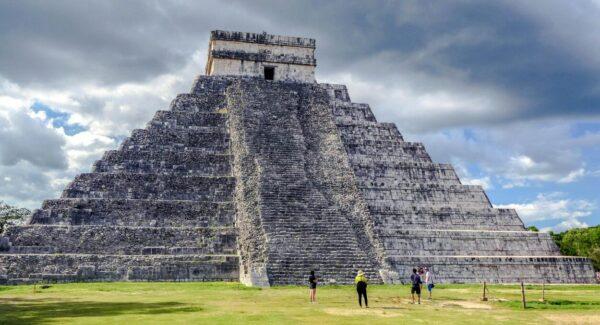 Gran Pirámide en Chichén Itzá en Yucatán de México