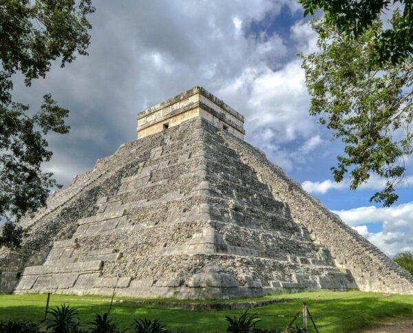 Gran Pirámide de Kululkán en Chichén Itzá en México