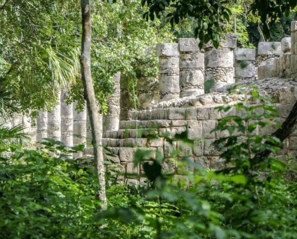 Detalle de un templo de Chichén Itzá en Yucatán en México