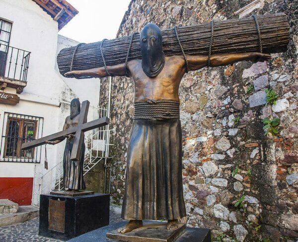 Monumento al encruzado en Taxco en México