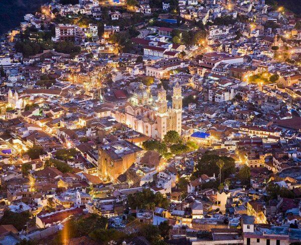 Vistas de Taxco desde el mirador del Cristo Monumental