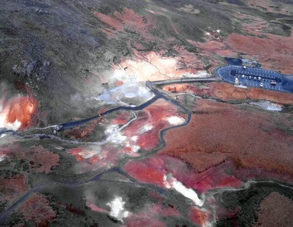 Aguas sulfurosas en Krysuvík en Islandia