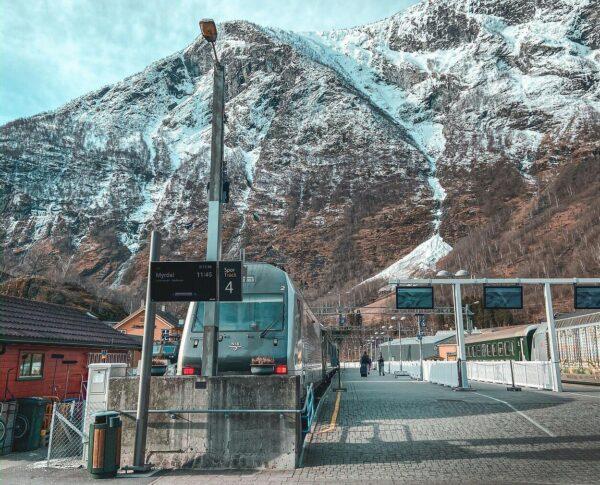 Estación de Flam en los fiordos noruegos