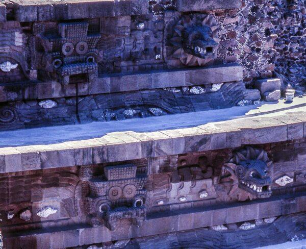 Templo de Quetzalcoatl. en Teotihuacán en México