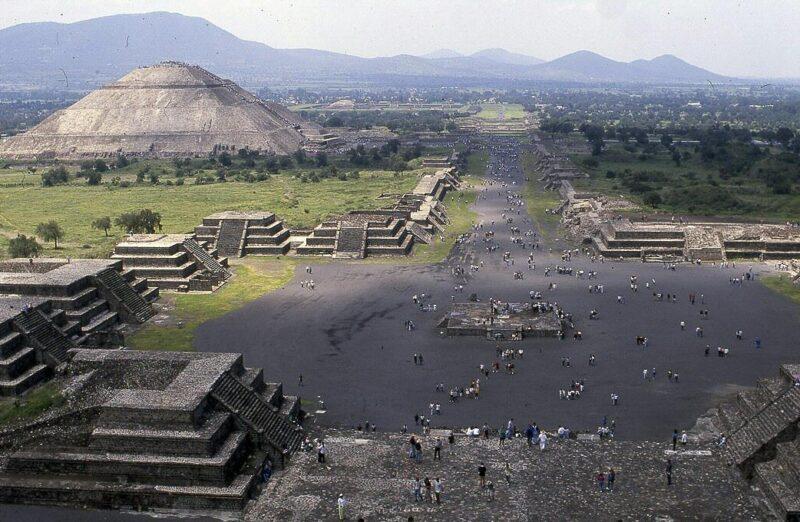 Zona arqueológica de Teotihuacán en México