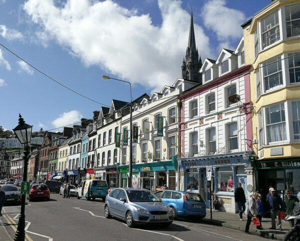 Cobh cerca de Cork al sur de Irlanda
