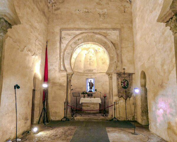 Iglesia mozárabe de Santiago de Peñalba en Bierzo leonés