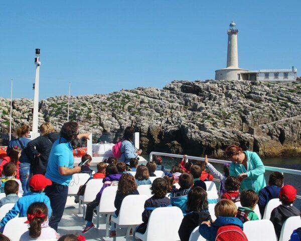 Crucero en barco por la Bahía de Santander