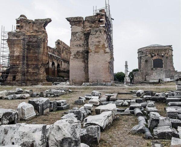 Basilica Roja en Pergamo en Bergama en Turquía