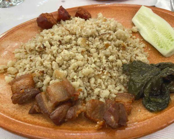 Migas ruleras en restaurante Torre del Vinagre en Sierra de Cazorla