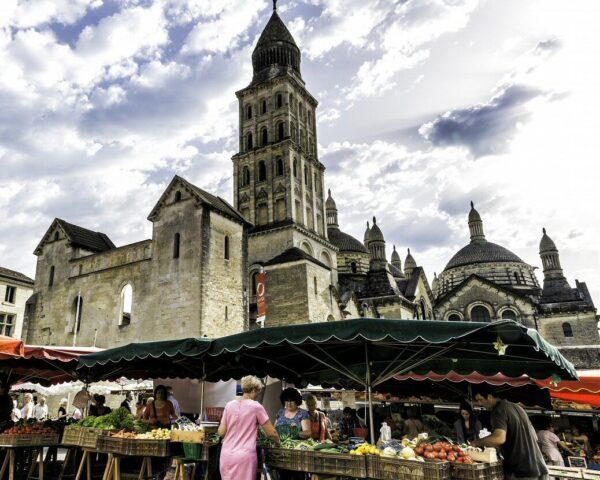 Mercado tradicional de Périgueux ©L'Oeil du Margouillat