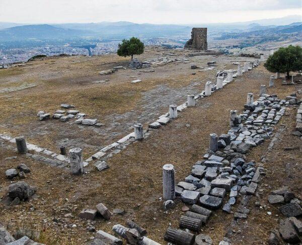 Restos de la Biblioteca de Pérgamo en Bergama en Turquía