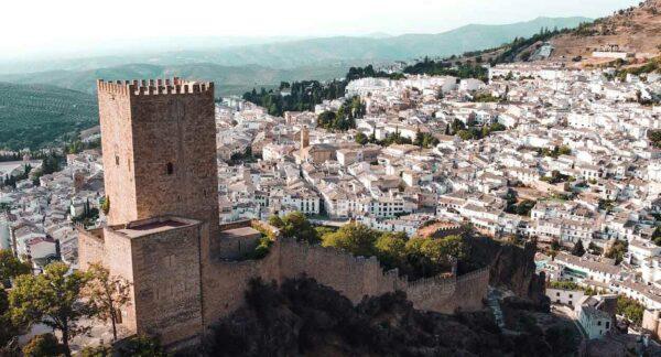 Castillo de Yedra en Cazorla en la Sierra de Cazorla en Jaén