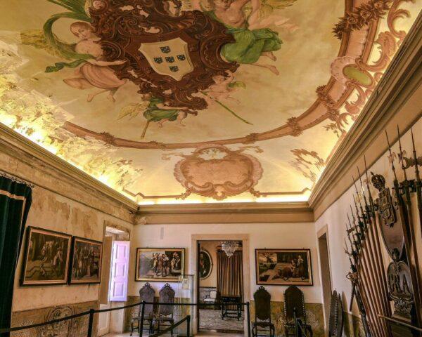 Sala de Armas en el Palacio Real de la Universidad de Coimbra